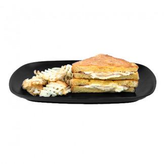sándwich relleno de jamón y queso mozzarella
