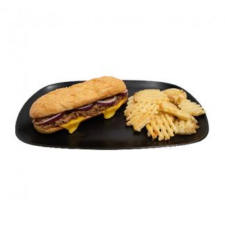 pan relleno de lomo de cerdo con salsa barbacoa y queso americano